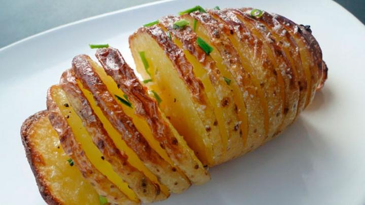 Garšīgi! Krāsnī cepti kartupeļi - VIDEO RECEPTE