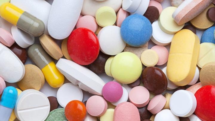Vitamīni pa pastu: Rīgā māte un meita tika nogādātas slimnīcā smagā stāvoklī