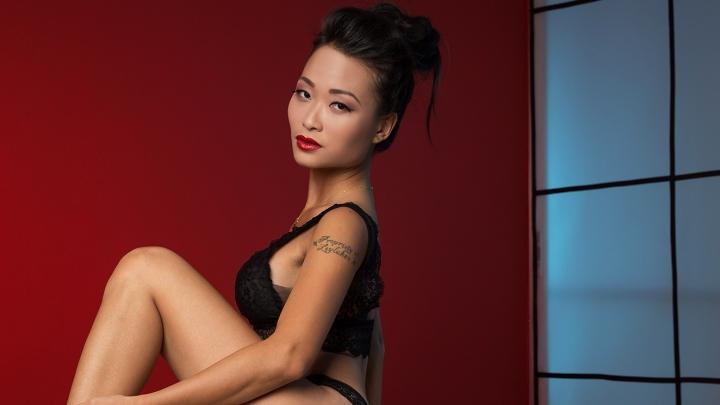 Samuraju Geiša un seksuālā Alise brīnumzemē. Rīgā ciemosies seksīga aziātu izcelsmes kaķenīte