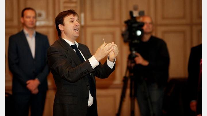 Iespējams, par smagiem noziegumiem pret Latvijas sabiedrību aizturēts pazīstamais kordiriģents Brandavs