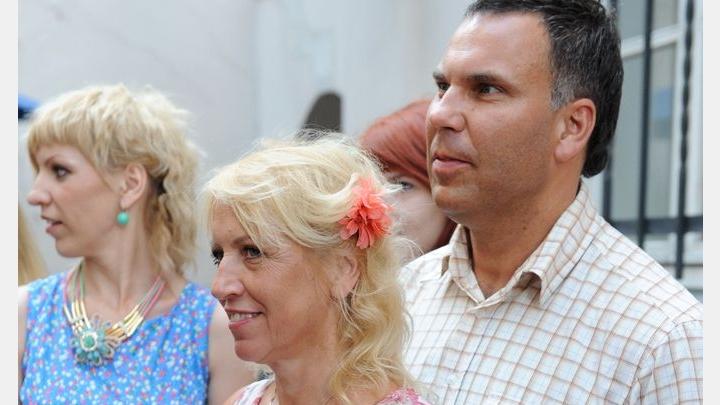57 gadu vecumā Olga Rajecka nespēj iedomāties savu dzīvi bez sava vīra, kurš ir 10 gadus jaunāks