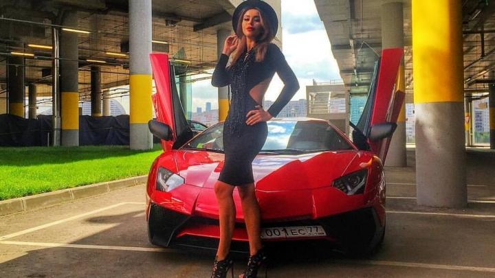 Pa metropoles ielām viņa traucās ar Lamborghini. 29 gadi. Atkarību važās mūžībā devusies slavena modele un dīdžejmeitene