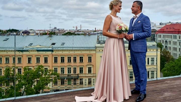Līgavainis gluži kā miljonārs! Pagājuši septiņi gadi kopš laulības ar Lindu Mūrnieci un Hosamam jau atkal jaunas kāzas