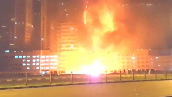 JAUNĀKIE FOTO/VIDEO no Dubaijas ugunsgrēka