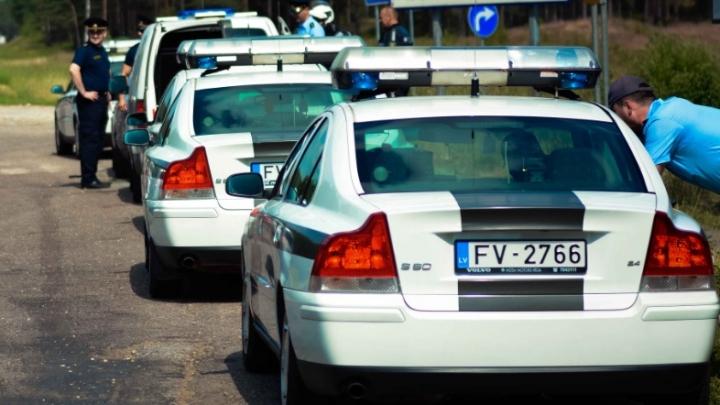 Policija izplata svarīgu brīdinājumu autoīpašniekiem
