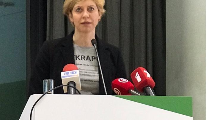 4240 EUR mēnesī būs palielinātā ministres Čakšas alga. Lai gan nebija pelnījusi pat iepriekšējo