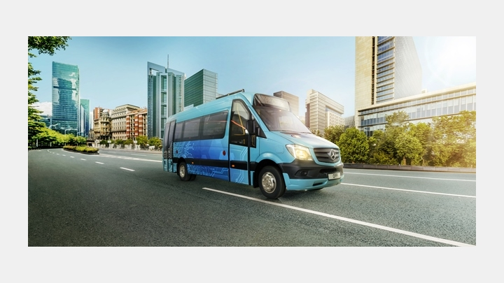 Latvijā radīti elektriskas piedziņas mikroautobusi, kuri bez uzlādes mēro pat 100 km