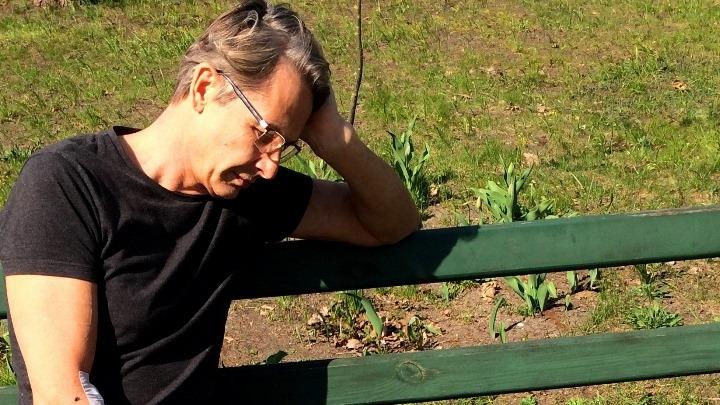 Visu laiku vienīgais Latvijas narkobarons 57 gadu vecumā uzfilmēts brīdī, kad izglābies noslepkavošanas mēģinājumā