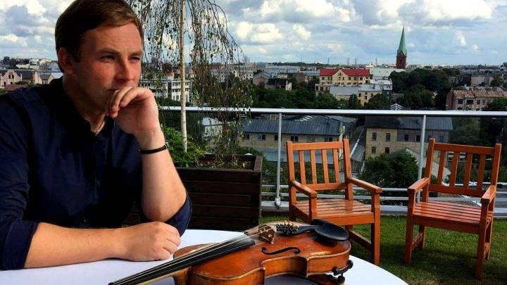 Latviešu mūziķis īpaši skarbā veidā lūdz sabiedrību ignorēt Čeku loteriju