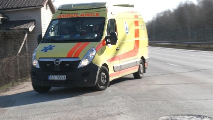Sabiedrību brīdina par īpaši aptrakušu Rīgas ātrās palīdzības šoferi