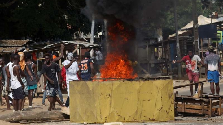 Coronavirus in Africa: People destroy the Covid-19 test center. PHOTO