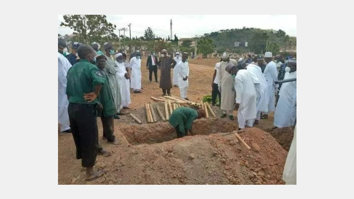 Photo: Mass death in Kano and life in lockdown