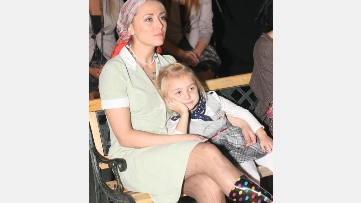 Žagars atlaiž. Asaras acīs: Dailes teātra skatītāju iemīļotā aktrise Aija Dzērve palikusi bez darba