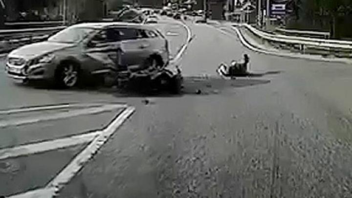 Traģisks video. Ko māca nelaimīgā motokatastrofa krustojumā Baltezers-Alderi maija brīvdienās?