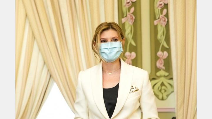 Ukraine's first lady got worse!