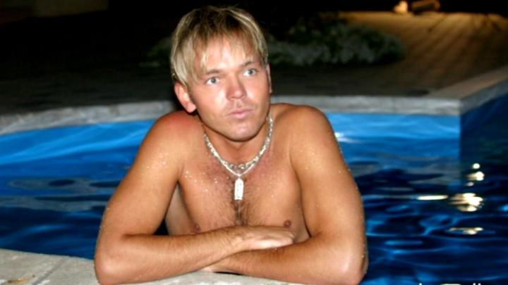 Skandalozajam Kivičam skarbas pretenzijas pret latviešu slavenākajiem gejiem