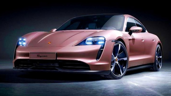 Tūninga šovs Auto Exotica un krāšņākie spēkratu jaunumi izstādē Auto 2021 Ķīpsalā