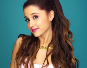 Ariana Grande satraukumā izsauc policiju