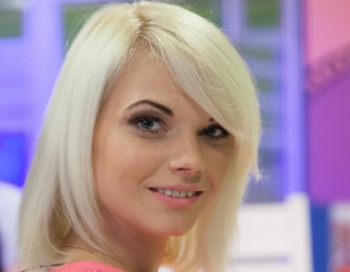 Pēc 5 gadu kopdzīves topošo TV Zvaigzni Violetu grib pamest vīrs