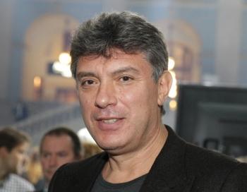 Publicēti blakus Kremlim nogalinātā Borisa Ņemcova mirstīgo atlieku foto