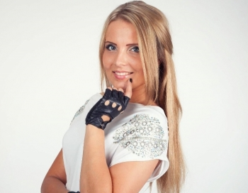Laura Raila žilbina izdodot disku Āfrikā