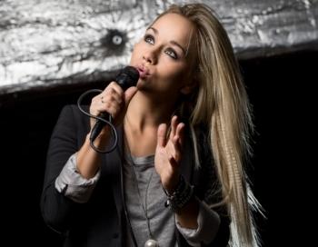 Aija Andrejeva ar īpašām sajūtām gaida savas desmitgades lielkoncertu