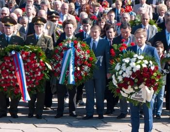 Skandalozā Nila Ušakova uzruna pie Uzvaras pieminekļa 2015. gada 9.maijā