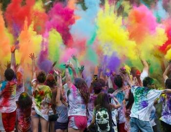 Lucavsalā notiks Holi krāsu festivāls