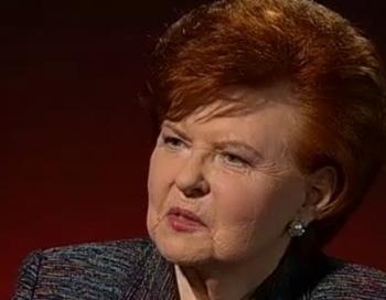 Vaira Vīķe-Freiberga uzsvērti slavē Bondaru kā iespējamo prezidentu