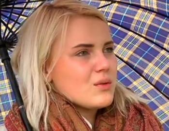 17 gadīgu meiteni notriec mašīna, par ko viņai jāmaksā 2,5 tūkstoši eiro. Vai tas ir normāli?