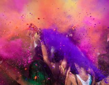 HOLI krāsu festivāls izziņo mūzikas programmu