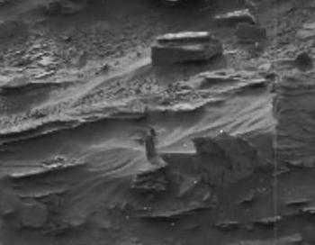 Uz Marsa pastaigājas kaila sieviete