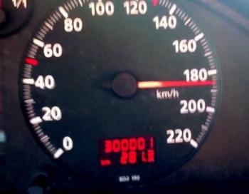 Par traukšanos ar 185 km/h uz Vidzemes šosejas pārgalvim atņem tikko iegūtas tiesības