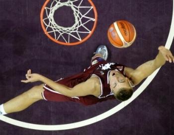 Latvija beidz Eiropas čempionātu ar kaunpilnu zaudējumu čehiem