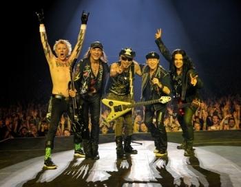 Ar grandiozu šovu Rīgā viesosies grupa Scorpions