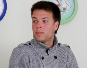Autokatastrofā smagi cietis Dziedošo ģimeņu uzvarētājs Dagnis Tihovskis