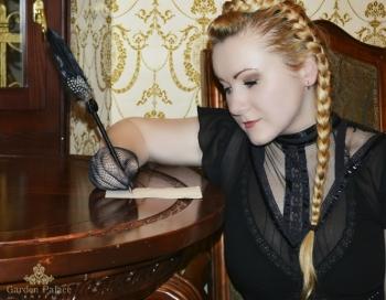 Dziedātāja Lolija Sprancmane piedāvā Ziemassvētku singlu Dāvanas Dievam