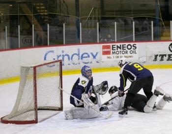 Saeimas hokeja komanda policijas dzimšanas dienā zaudē Valsts policijas komandai