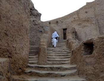 Tūristi pametuši Ēģipti