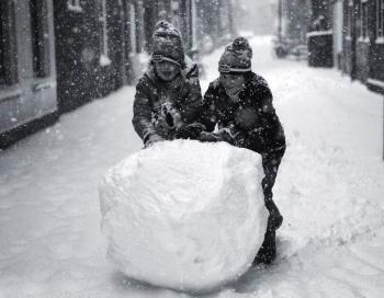 Sniega problēma mūsu māju pagalmos ir atrisināta. Super!