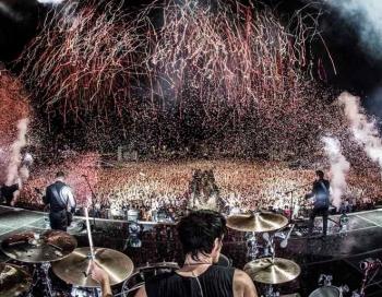 Pārdošanā biļetes uz Muse koncerttūres Drones šovu Latvijā