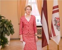 Parlamenta spīkere Ināra Mūrniece īpašā ceremonijā sveic bobslejistus, skeletonistus un kamaniņu baucējus