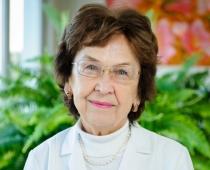 Krūts vēzis nešķiro: Onkoloģes pieredzes stāsts