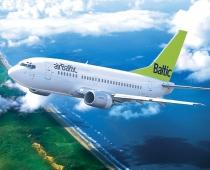 airBaltic skaidro pasažiera vizināšanu pilota kabīnē