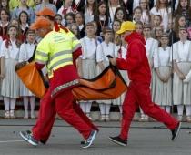 Absurds! Noģībst simtiem bērnu, bet Inga Vasiljeva apgalvo: nekas ārkārtējs neesot noticis...